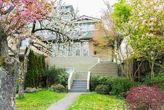 Photo 1: 5986 LARCH STREET in Vancouver: Kerrisdale House for sale (Vancouver West)  : MLS®# R2060002