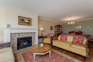 Photo 5: #202-15169 Buena Vista Ave: White Rock Condo for sale (south)  : MLS®# R2293332