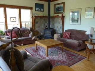 Photo 4: 462 Pachena Road in Bamfield: House for sale : MLS®# 456315