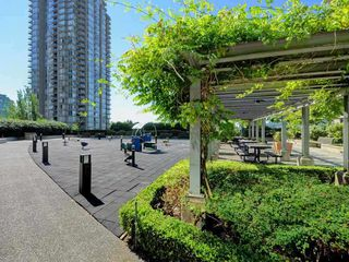 "Photo 13: 2303 2978 GLEN Drive in Coquitlam: North Coquitlam Condo for sale in ""Grand Central Expression"" : MLS®# R2402669"