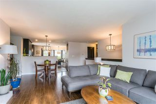 """Photo 19: 19677 SOMERSET Drive in Pitt Meadows: Mid Meadows House for sale in """"Somerset"""" : MLS®# R2460932"""