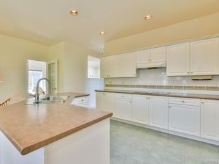 Photo 8: 7989 Simpson Rd in : CS Saanichton House for sale (Central Saanich)  : MLS®# 855130