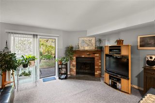 Photo 7: 10 379 Wale Rd in : Co Colwood Corners Row/Townhouse for sale (Colwood)  : MLS®# 855700