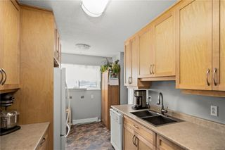 Photo 2: 10 379 Wale Rd in : Co Colwood Corners Row/Townhouse for sale (Colwood)  : MLS®# 855700