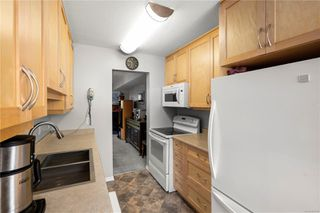Photo 3: 10 379 Wale Rd in : Co Colwood Corners Row/Townhouse for sale (Colwood)  : MLS®# 855700