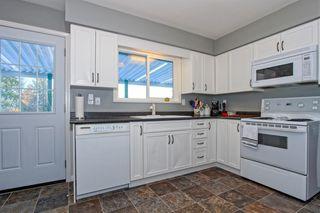 Photo 4: 20867 125 Avenue in Maple Ridge: Home for sale : MLS®# R2131425