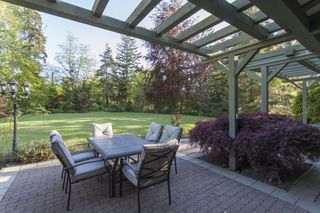 Photo 3: 14240 25th Avenue in South Surrey: Home for sale : MLS®# F140465