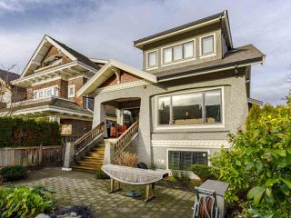 """Photo 3: 3209 W 2ND Avenue in Vancouver: Kitsilano Townhouse for sale in """"Kitsilano"""" (Vancouver West)  : MLS®# R2527751"""