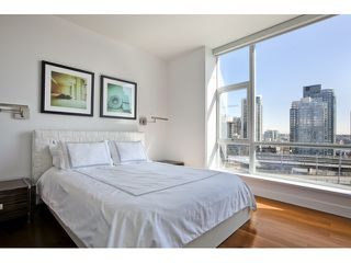 "Photo 6: 1004 1455 HOWE Street in Vancouver: Yaletown Condo for sale in ""POMARIA"" (Vancouver West)  : MLS®# V939009"