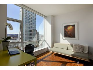 "Photo 7: 1004 1455 HOWE Street in Vancouver: Yaletown Condo for sale in ""POMARIA"" (Vancouver West)  : MLS®# V939009"