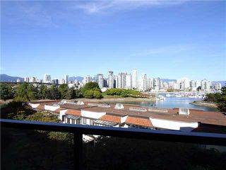 """Photo 2: 18 1201 LAMEY'S MILL Road in Vancouver: False Creek Townhouse for sale in """"ALDER BAY PLACE"""" (Vancouver West)  : MLS®# V975938"""