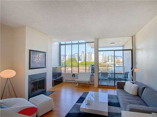 """Photo 3: 18 1201 LAMEY'S MILL Road in Vancouver: False Creek Townhouse for sale in """"ALDER BAY PLACE"""" (Vancouver West)  : MLS®# V975938"""