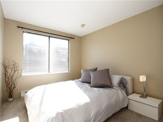 """Photo 8: 18 1201 LAMEY'S MILL Road in Vancouver: False Creek Townhouse for sale in """"ALDER BAY PLACE"""" (Vancouver West)  : MLS®# V975938"""