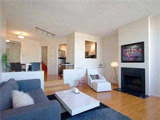 """Photo 4: 18 1201 LAMEY'S MILL Road in Vancouver: False Creek Townhouse for sale in """"ALDER BAY PLACE"""" (Vancouver West)  : MLS®# V975938"""