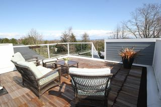 "Photo 3: 356 55A Street in Tsawwassen: Pebble Hill House for sale in ""PEBBLE HILL"" : MLS®# V989635"