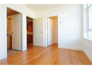 "Photo 5: 519 2268 W BROADWAY in Vancouver: Kitsilano Condo for sale in ""The Vine"" (Vancouver West)  : MLS®# V996549"