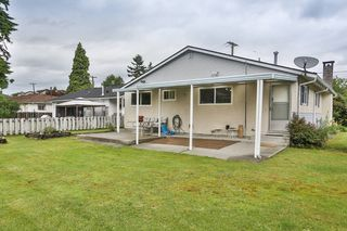 Photo 2: 1910 SUFFOLK Avenue in Port Coquitlam: Glenwood PQ House for sale : MLS®# V1014517