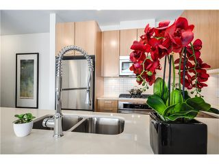 Photo 3: #1004  2789 SHAUGHNESSY ST in Port Coquitlam: Central Pt Coquitlam Condo for sale