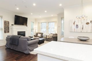 Photo 8: 1833 NAPIER STREET in Vancouver: Grandview VE Condo for sale (Vancouver East)  : MLS®# R2043418
