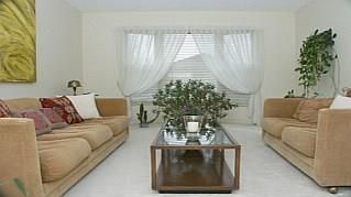 Photo 2: 1429 THISTLEDOWN Rd in : 1007 - GA Glen Abbey FRH for sale (Oakville)  : MLS®# OM1057037