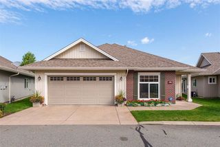 """Main Photo: 28 45824 STEVENSON Road in Sardis: Sardis East Vedder Rd House for sale in """"STEVENSON VILLAS"""" : MLS®# R2389321"""