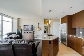 "Photo 12: 705 6188 WILSON Avenue in Burnaby: Metrotown Condo for sale in ""Jewel 1"" (Burnaby South)  : MLS®# R2394453"
