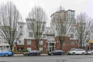 "Main Photo: 401 137 E 1 Street in North Vancouver: Lower Lonsdale Condo for sale in ""The Coronado"" : MLS®# R2433835"