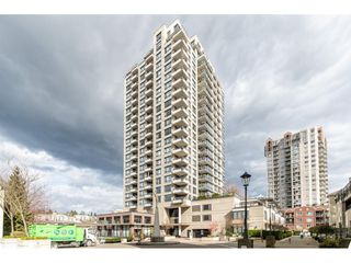 "Photo 2: 1102 1 RENAISSANCE Square in New Westminster: Quay Condo for sale in ""Q"" : MLS®# R2443951"