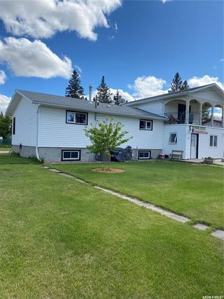 Photo 2: 106 4th Avenue in Lintlaw: Residential for sale : MLS®# SK812863