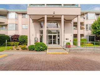 """Photo 2: 312 33165 OLD YALE Road in Abbotsford: Central Abbotsford Condo for sale in """"Somerset Ridge"""" : MLS®# R2469167"""