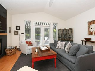 Photo 10: 760 HILL RISE Lane in Saanich: SE Cordova Bay Row/Townhouse for sale (Saanich East)  : MLS®# 844493