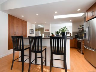 Photo 9: 760 HILL RISE Lane in Saanich: SE Cordova Bay Row/Townhouse for sale (Saanich East)  : MLS®# 844493