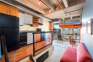 Photo 3: 414 1061 Fort St in Victoria: Vi Downtown Condo Apartment for sale : MLS®# 836282