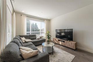 Photo 4: 406 33540 MAYFAIR Avenue in Abbotsford: Central Abbotsford Condo for sale : MLS®# R2481068