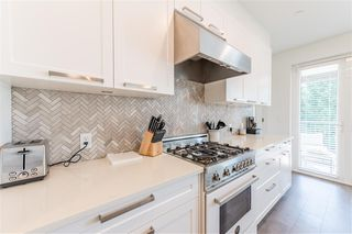 Photo 8: 406 33540 MAYFAIR Avenue in Abbotsford: Central Abbotsford Condo for sale : MLS®# R2481068