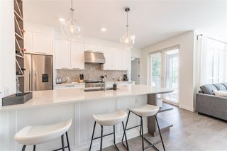 Photo 12: 406 33540 MAYFAIR Avenue in Abbotsford: Central Abbotsford Condo for sale : MLS®# R2481068