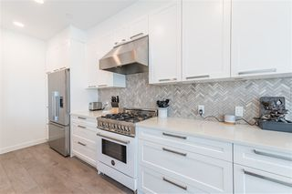 Photo 7: 406 33540 MAYFAIR Avenue in Abbotsford: Central Abbotsford Condo for sale : MLS®# R2481068