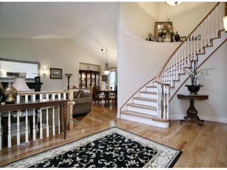 Photo 2: 5661 125A Street in Surrey: Panorama Ridge House for sale : MLS®# R2490130