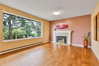 Photo 6: 4395 Torquay Dr in : SE Gordon Head House for sale (Saanich East)  : MLS®# 857675