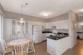 Photo 2: 206 920 Saskatoon Road in Kelowna: Rutland South Multi-family for sale (Central Okanagan)  : MLS®# 10211030