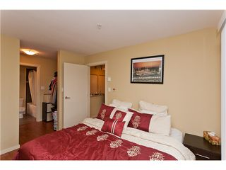 """Photo 6: 710 415 E COLUMBIA Street in New Westminster: Sapperton Condo for sale in """"SAN MARINO"""" : MLS®# V1003972"""