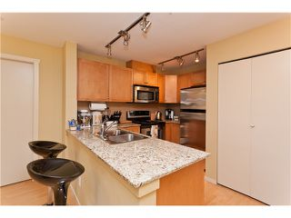 """Photo 5: 710 415 E COLUMBIA Street in New Westminster: Sapperton Condo for sale in """"SAN MARINO"""" : MLS®# V1003972"""