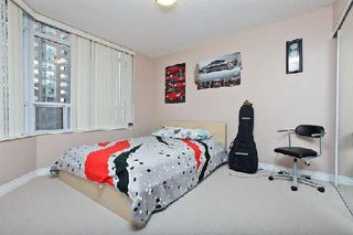 Photo 8: 11 310 Burnhamthorpe Road in Mississauga: City Centre Condo for sale : MLS®# W3008201