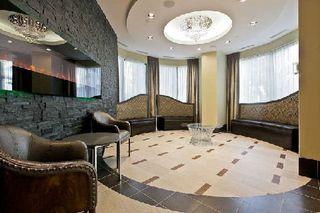 Photo 4: 11 310 Burnhamthorpe Road in Mississauga: City Centre Condo for sale : MLS®# W3008201