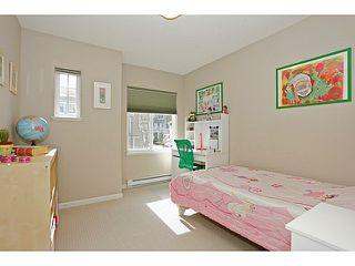 Photo 9: 3 bed 3bath duplex townhouse SOLD