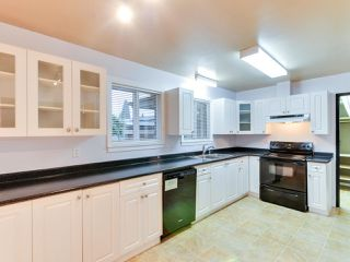 Photo 5: 15227 HUMMINGBIRD PLACE in Surrey: Bolivar Heights House for sale (North Surrey)  : MLS®# R2383706