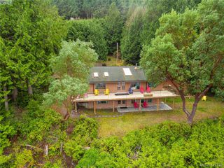 Photo 3: 8808 Canal Road in PENDER ISLAND: GI Pender Island Single Family Detached for sale (Gulf Islands)  : MLS®# 417739