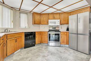 Photo 7: 3619 146 Avenue in Edmonton: Zone 35 House for sale : MLS®# E4186205