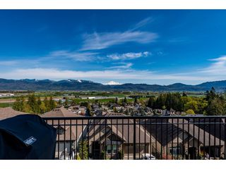 "Photo 8: 22 36232 WALTER Road in Abbotsford: Abbotsford East House for sale in ""Mountains Falls"" : MLS®# R2451133"