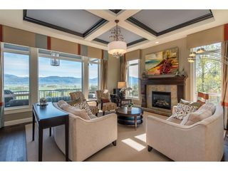 """Photo 3: 22 36232 WALTER Road in Abbotsford: Abbotsford East House for sale in """"Mountains Falls"""" : MLS®# R2451133"""
